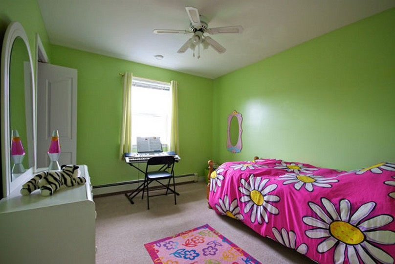 Pink and lime green bedroom car interior design for Pink green bedroom designs