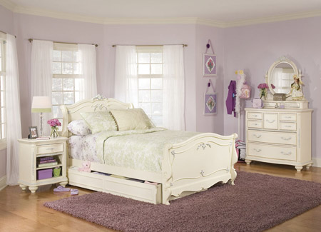 antique-white-bedroom-furniture image 4