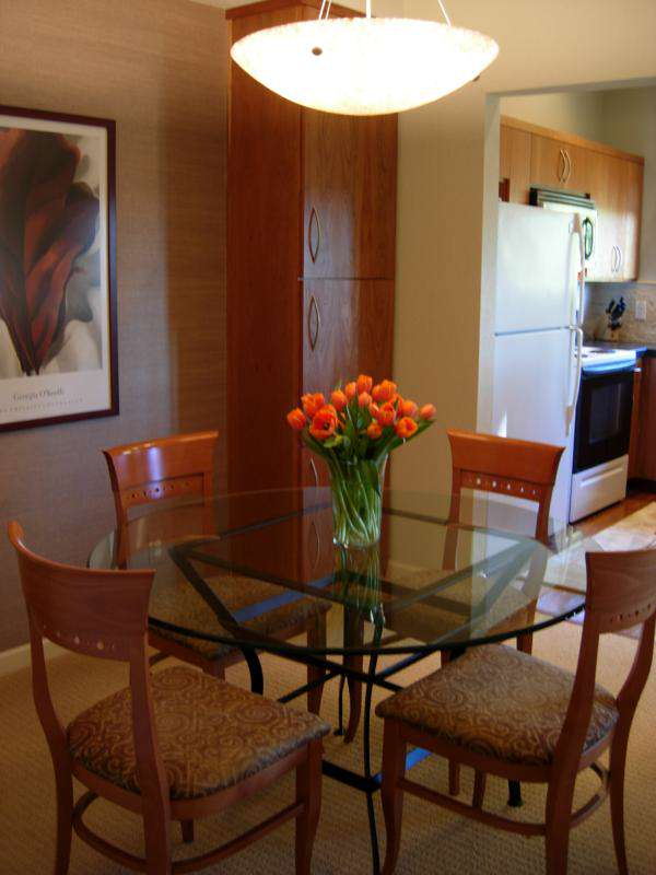 Small Dining Room with table glass and lighting pict 017