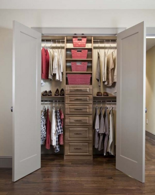 Organizing A Small Closet Small Room Decorating Ideas