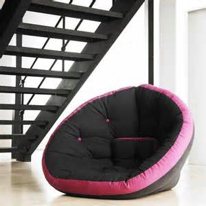futons for small rooms pictures 02