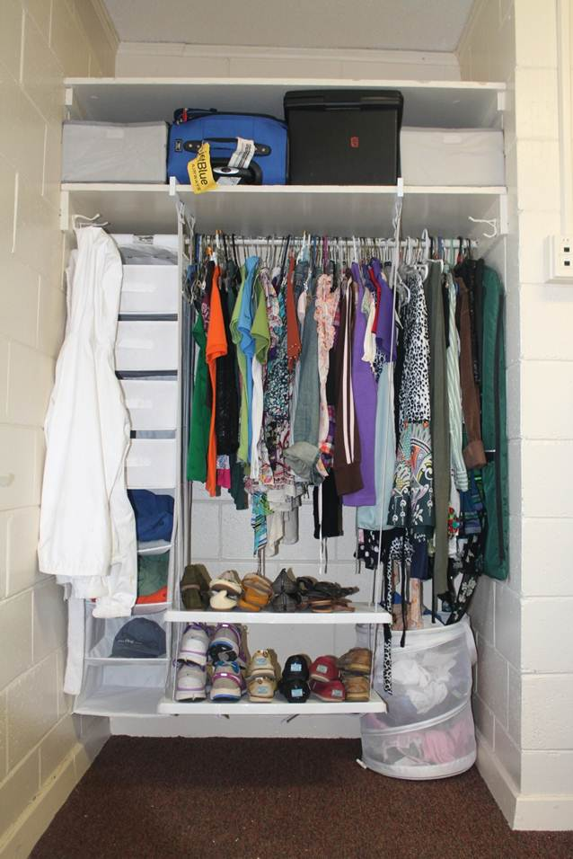Organizing a small closet closet ideas for small spaces image03 small room decorating ideas - Small bedroom closet design ideas ...