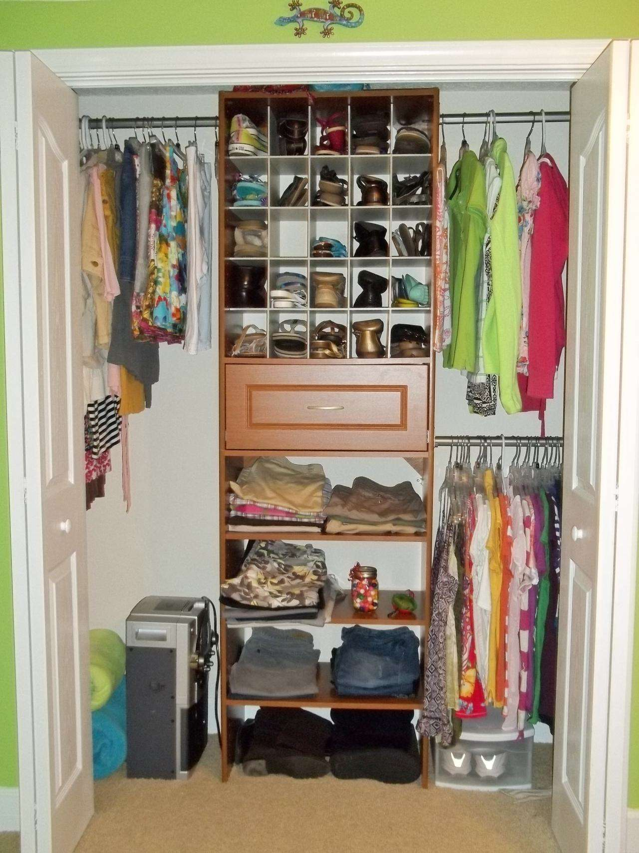 Small closet organization ideas small bedroom closet for Bedroom organization ideas