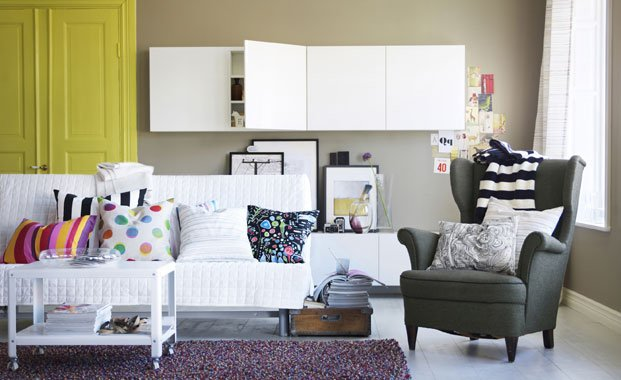Small Rooms Tips On How To Make Them Appear Bigger Decorate Living Room On Small Spaces To