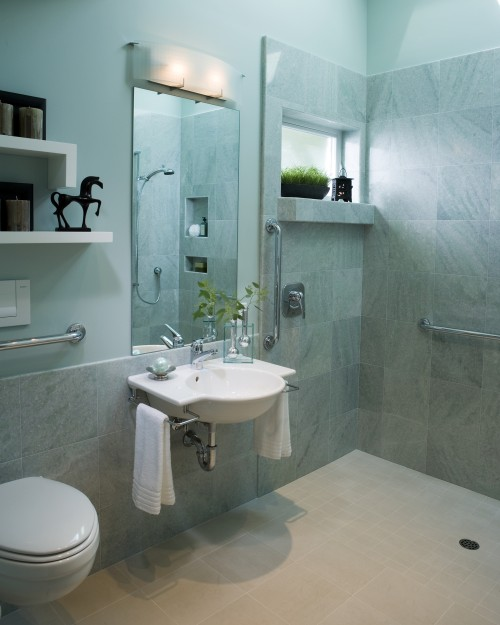 small bathroom+shower or toilet pic 01