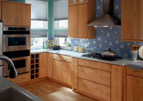 Small kitchen remodeling taking advantage of the room for Small kitchen remodels on a budget