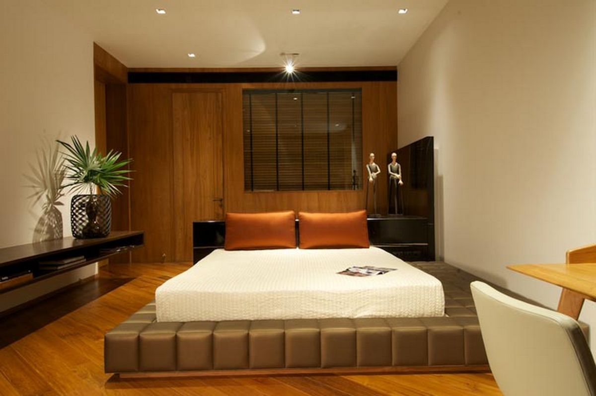 Small master bedroom decorating ideas pic 011 for Simple indian bedroom interior design ideas