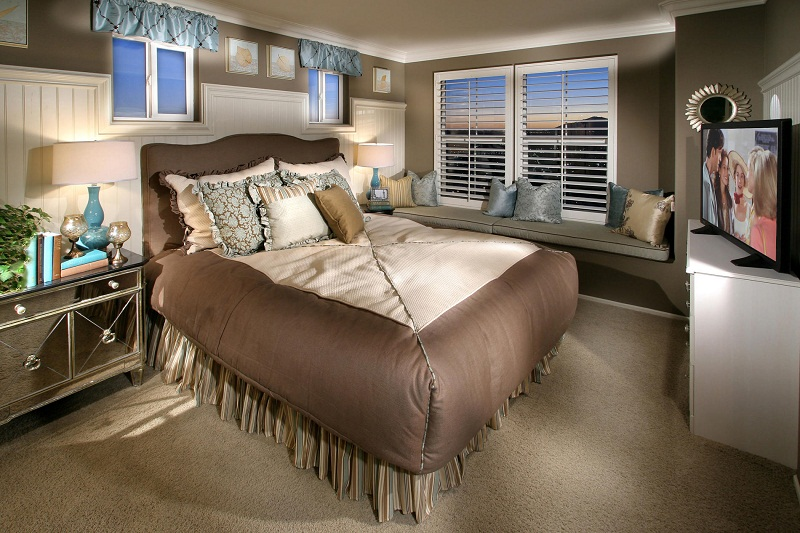Small Master Bedroom Decorating Ideas Make Room Larger Small Room Decorating Ideas
