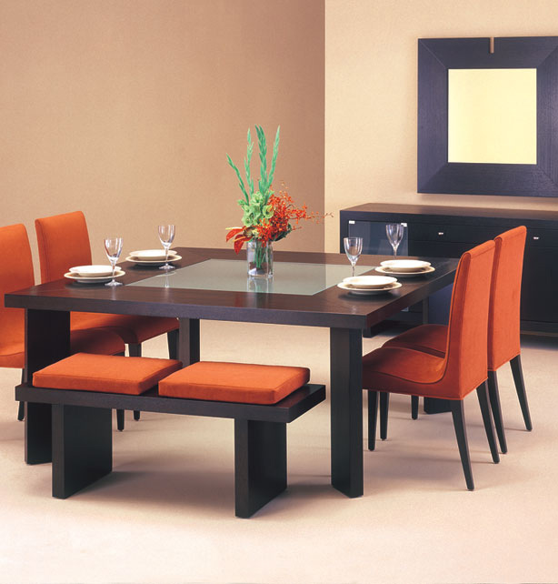 Tips dining room furniture for small spaces great dining for Dining table for small spaces modern