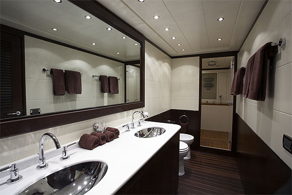 Good Small Master Bathroom Dimensions Images 06 Small Room Decorating Ideas