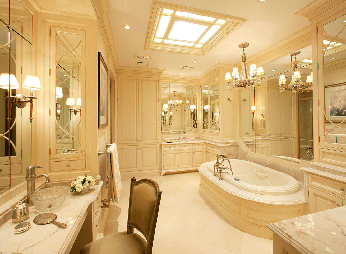 Small master bathroom layout ideas reanimators for Beautiful bathroom decor