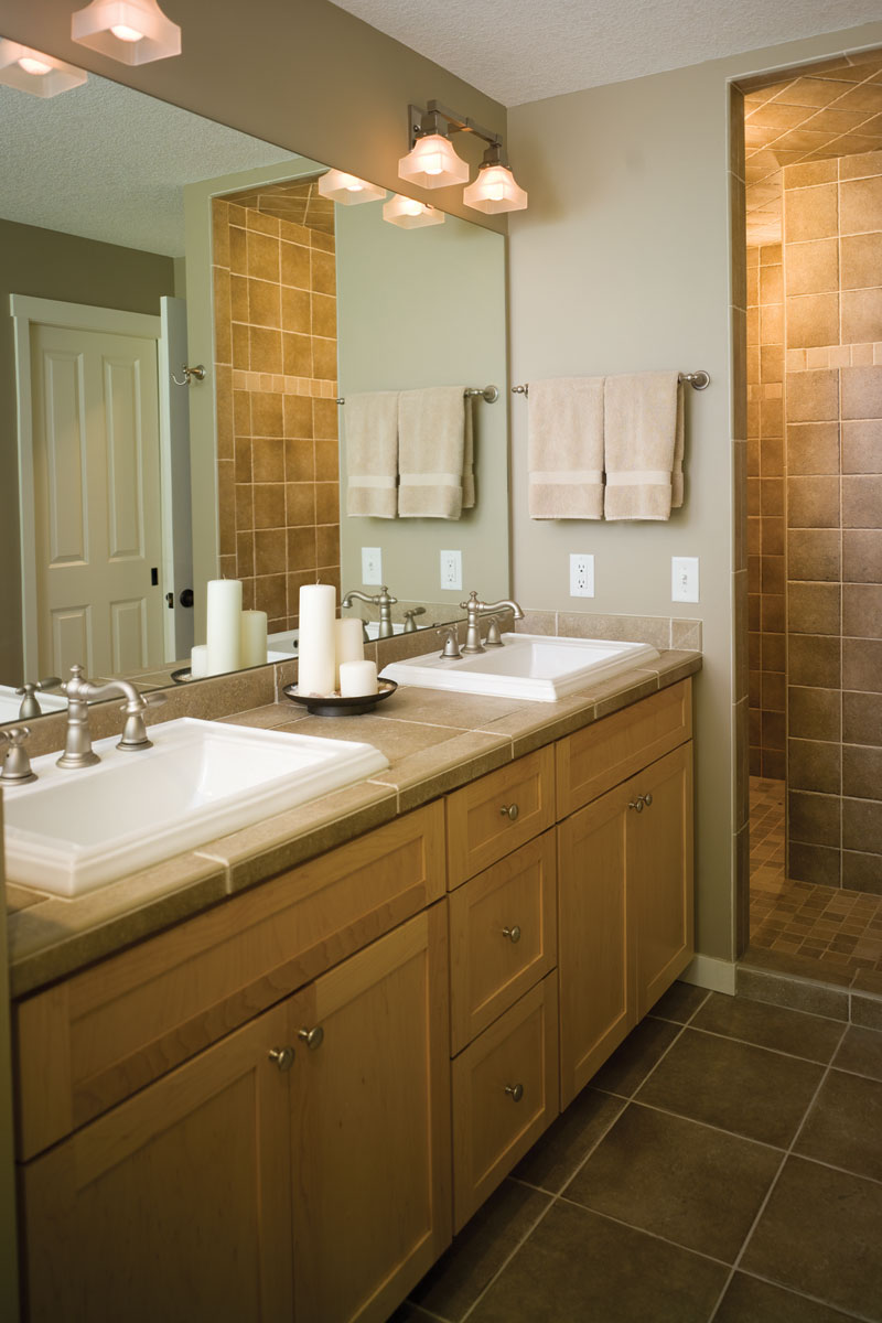 awesome small master bathroom solutions images 05 small