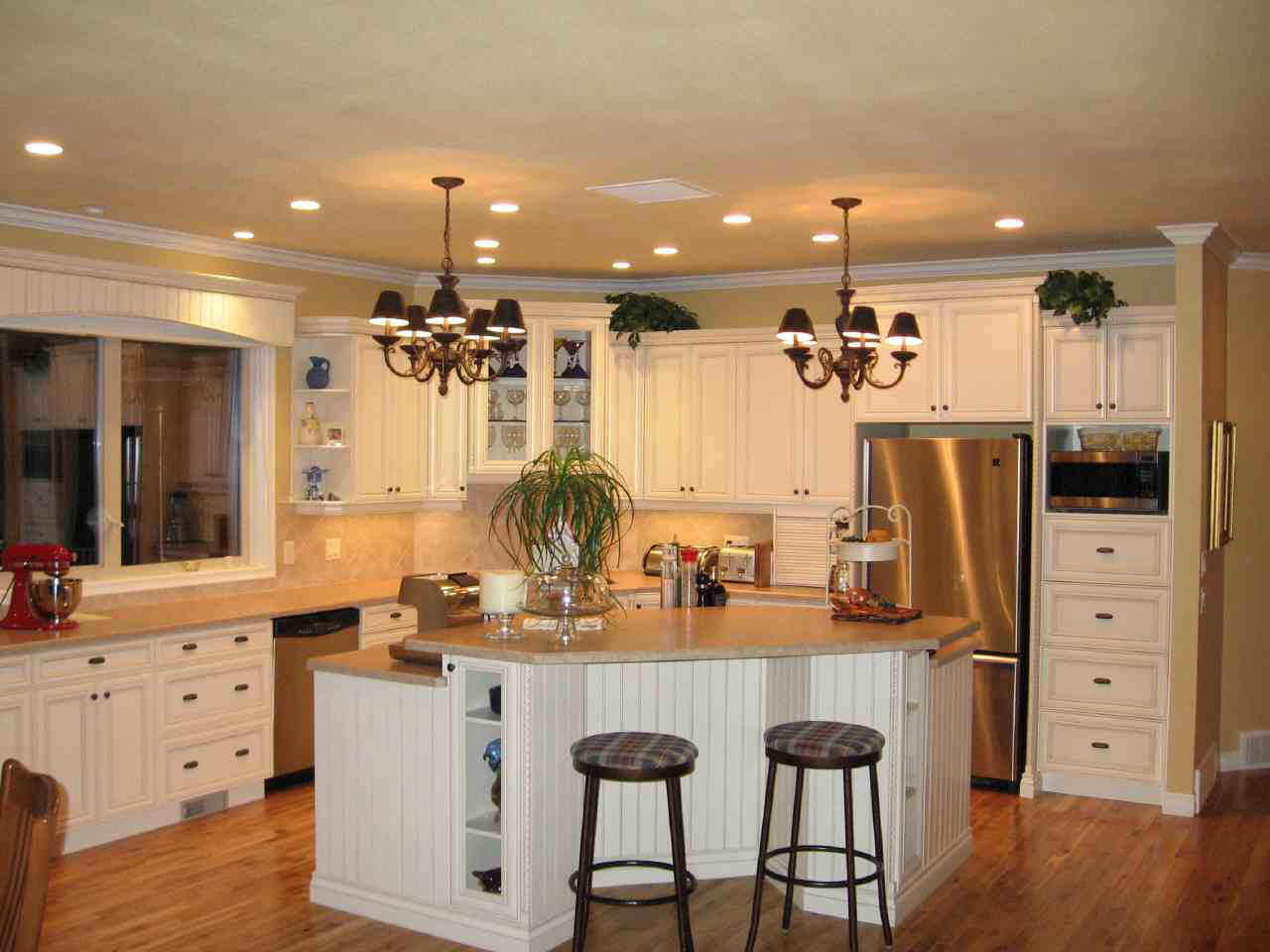 remodeling small kitchen island and stools pictures 03