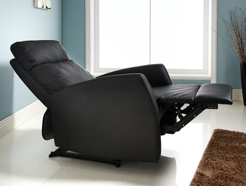 Verona black leather armchair pictures 01