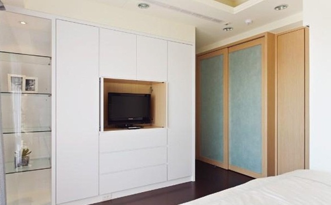 bedroom wardrobe designs with tv unit pictures 04