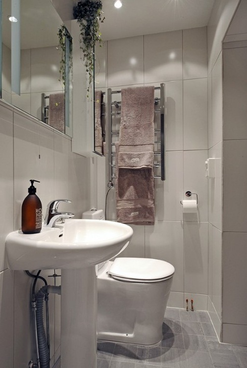 Remodeling small master bathroom ideas photos 10 small for Small master bathroom remodel ideas