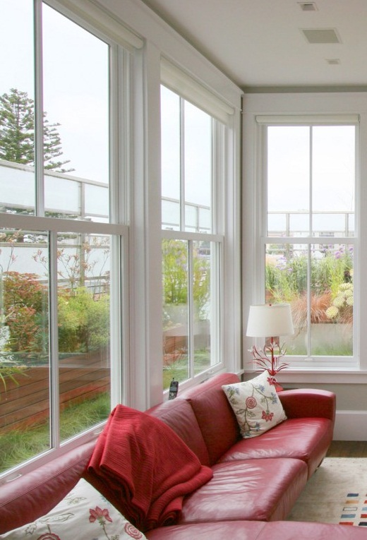 Window treatments for a bay window in living room pictures Window treatments for bay window in living room