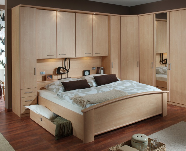 Best bedroom furniture for small bedrooms small room for Fitted bedroom ideas for small rooms