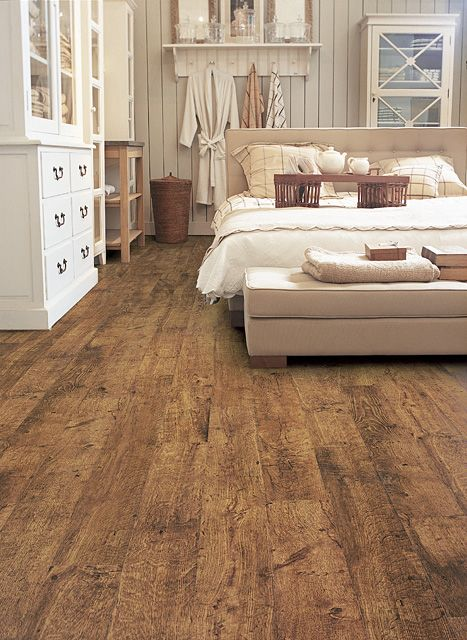 Beautiful Wood or Laminate Flooring Reclaimed Oak Floors