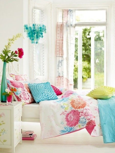 Colorful Girl Bedroom design a girl's bedroom online