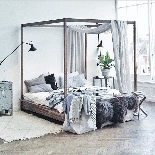 22 four poster bed bedroom design ideas small room for Bedroom designs with four poster beds
