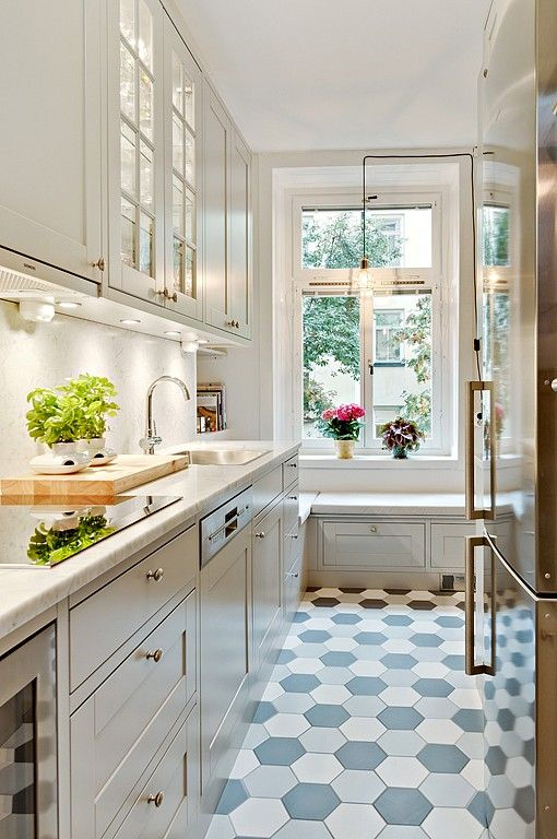 Kitchen Cabinets For Small Spaces Nice kitchen Style and floor