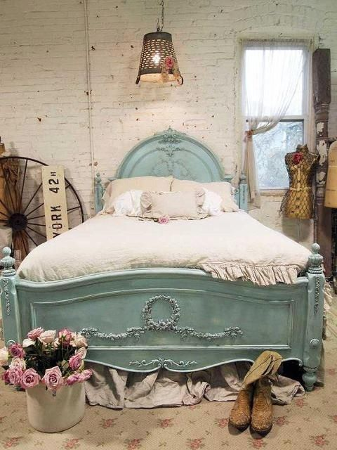 Pretty modern vintage shabby chic bedroom ideas photos 19 for Shabby chic bett