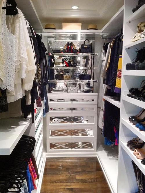 Pretty Small Walk in Wardrobe Ideas like Kylie Jenners