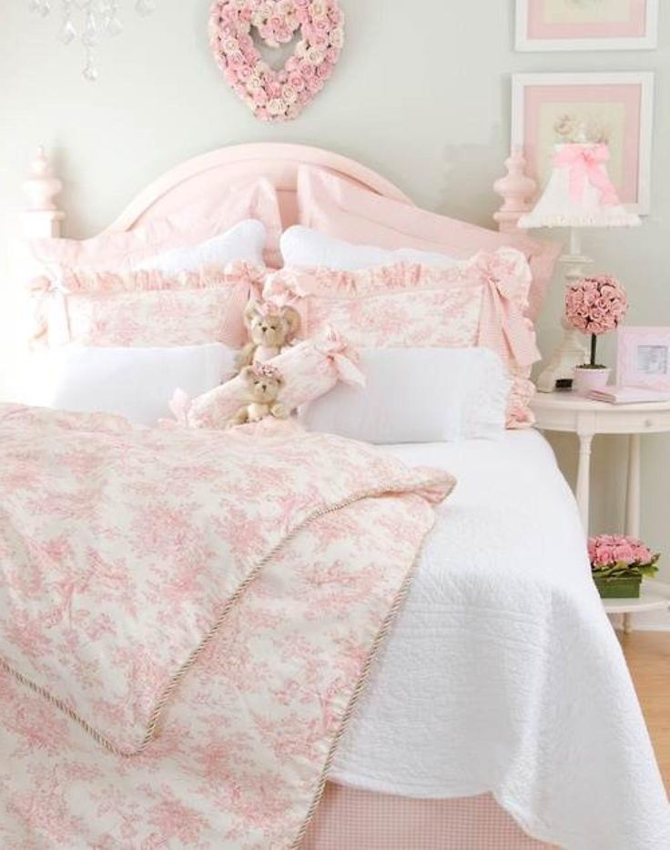 Shabby chic bedroom blog very cute paint wall for girls for Bedroom inspiration shabby chic