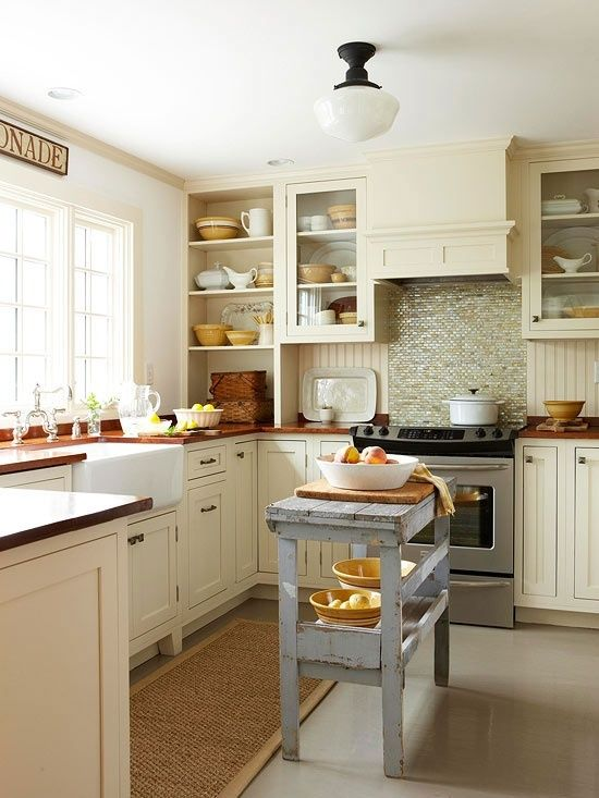 Small kitchen cabinets layout ideas pictures for Square kitchen layout