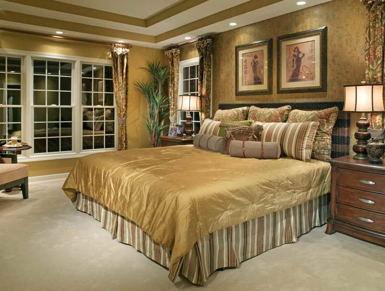 Elegant small master bedroom arrangement ideas images 006 for Elegant bedroom ideas