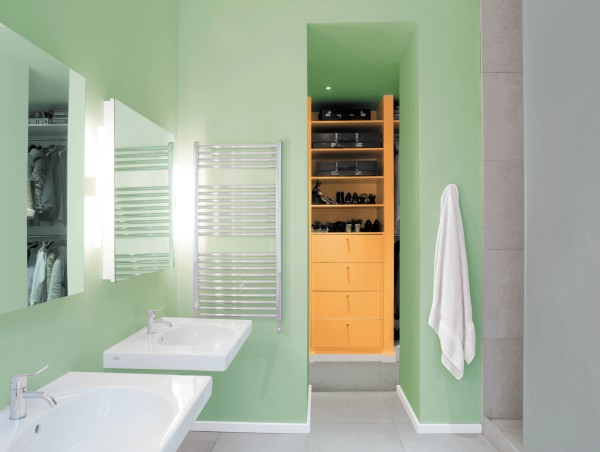 Most popular bathroom paint colors small room decorating for Small bathroom paint color ideas