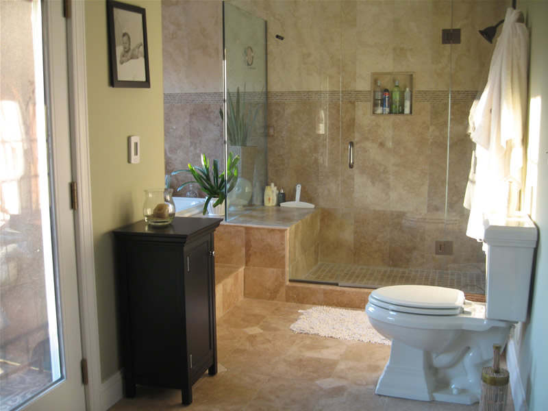 Bathroom Remodeling Ideas For Small Master Bathrooms With Marble Tile And The Flush Toilet Images 014