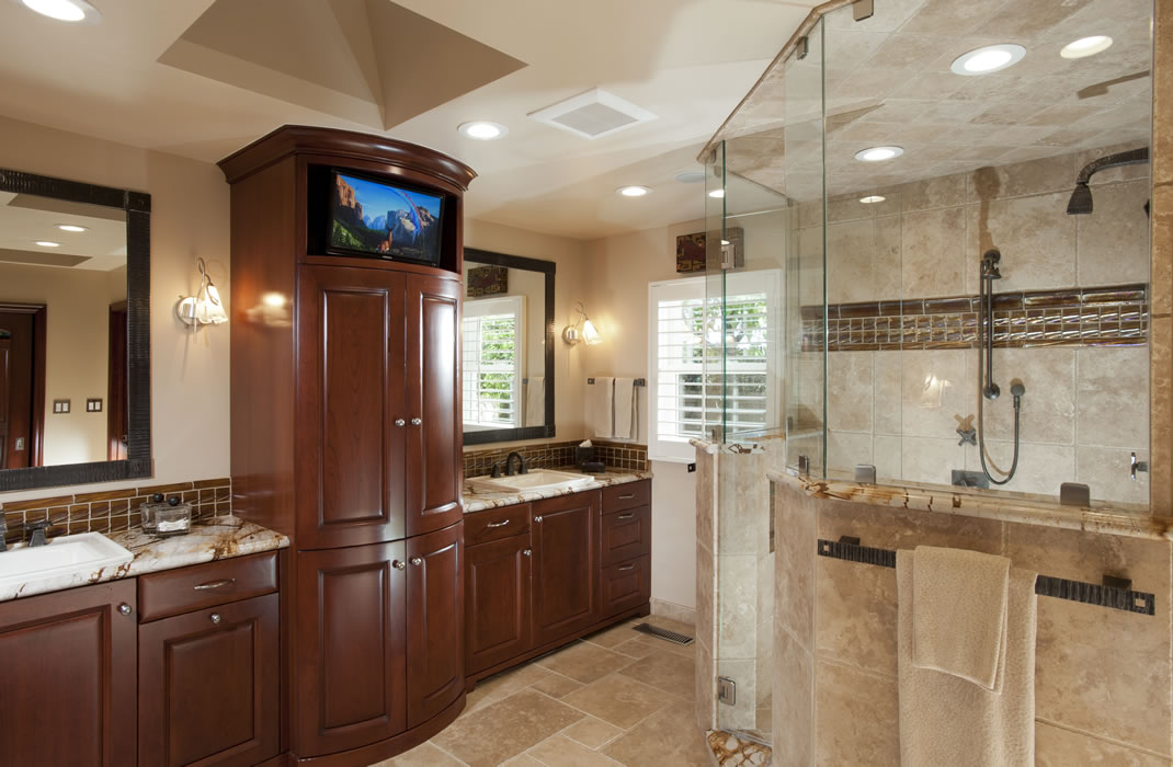 Incredible Small Master Bathroom Remodeling Ideas Classic Design With Vanity Cabinet Image 17