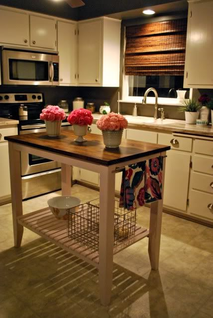 Love Small Kitchen Island Tables Chop Off The Bottom And Hang The Pots Under The Island