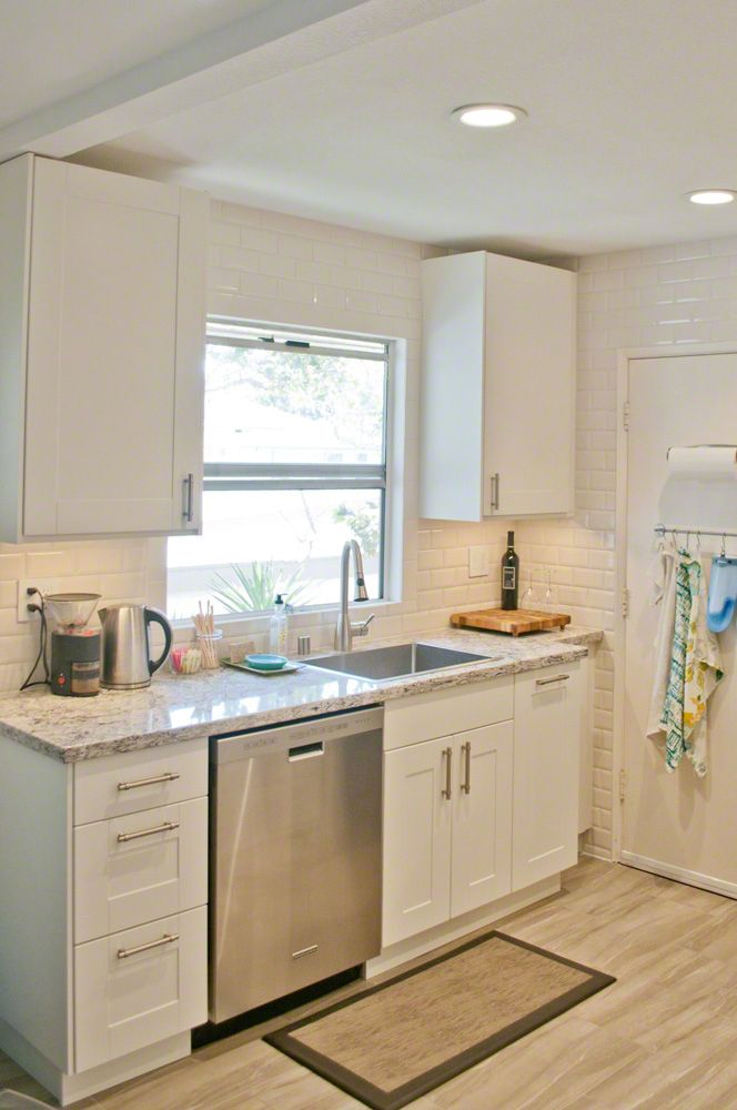 Small kitchen remodeling ideas on a budget for best for Apartment kitchen renovation ideas