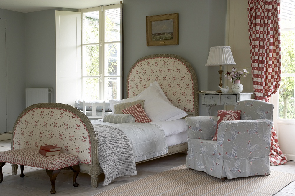 French Country Style Bedrooms With Beautiful Curtains