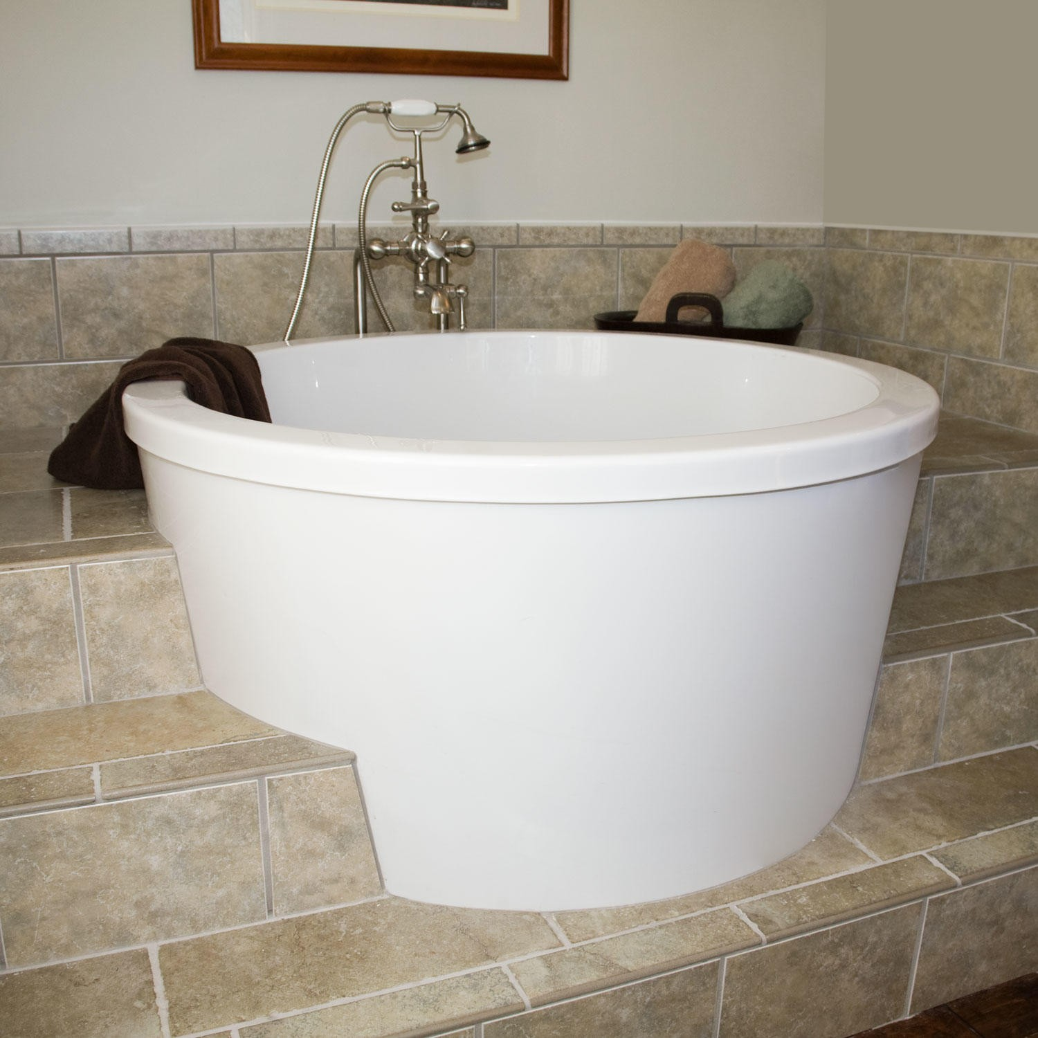 Small soaker tub ideas square japanese soaking tub small for Bathroom ideas with soaker tubs