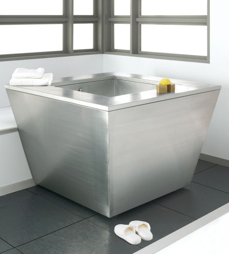 Julien Troy Adams Japanese Small Soaker Tub For Small Bathroom
