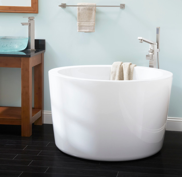 Round Japanese Small Soaker Tub