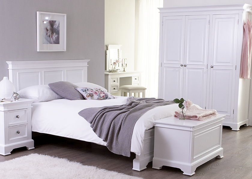 Simple White Painted Bedroom Furniture