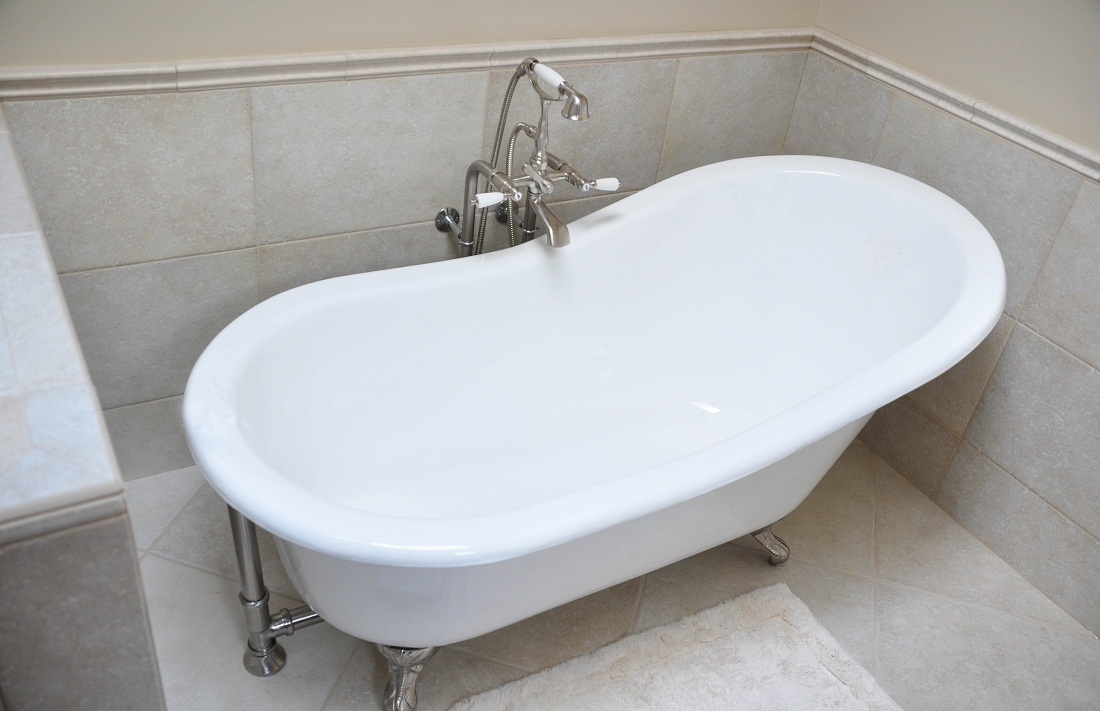 Stylish And Classic Small Soaker Tub