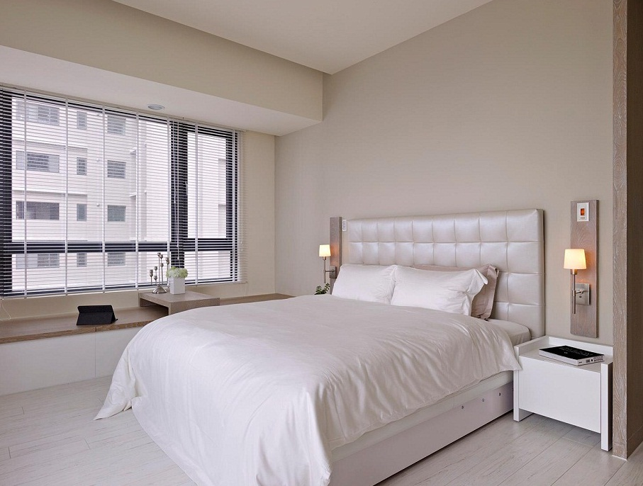 White Bedroom Set For Apartment