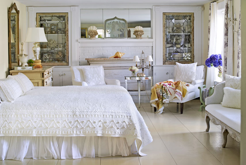 White french country bedroom decoration ideas small room for Antique home decoration