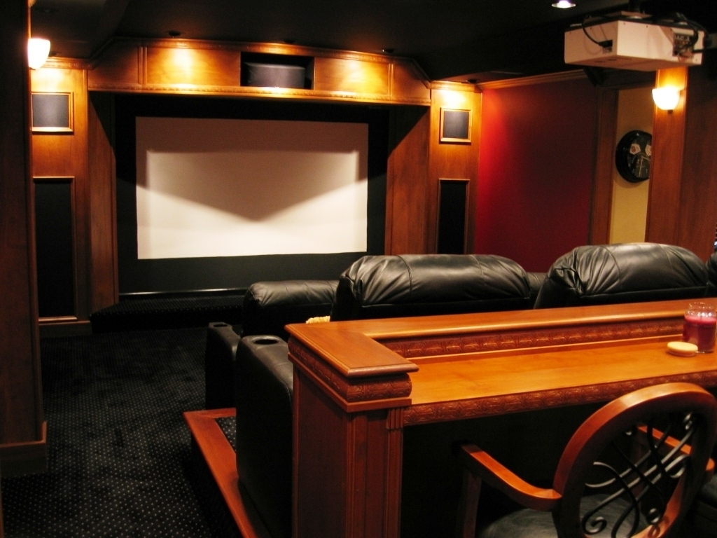 Cozy small media room ideas with affordable modern design for Small entertainment room decorating ideas
