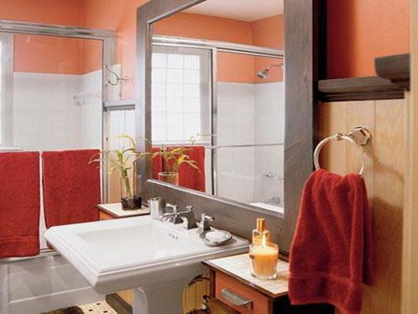 Marvelou small bathroom paint color ideas in classic paint for Small bathroom paint color ideas