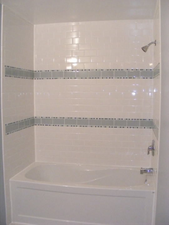 Gorgeous small bathroom remodeling subway tile small guest for Bathroom wall tile designs photos