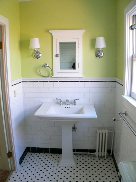 Marvelous small bathroom remodeling subway tile bathroom for Bathroom ideas using subway tile