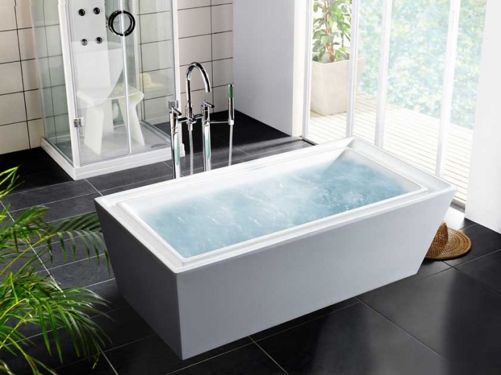 Freestanding Bathtubs Small Spaces Wonderful Small Walk In Shower Feat White Acrylic Square Freestanding Tubs 6873