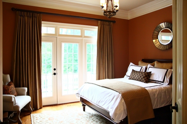 Small guest room decorating ideas make a guest feel at for Small guest bedroom decor ideas